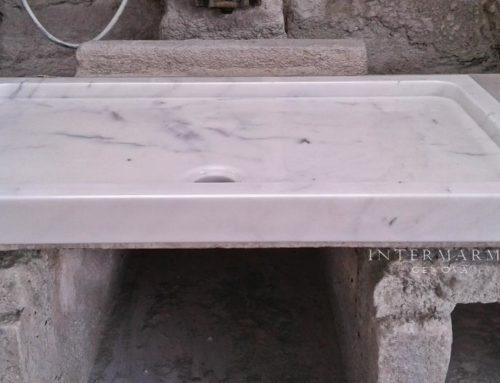 Piatto doccia in marmo bianco- realizzazione